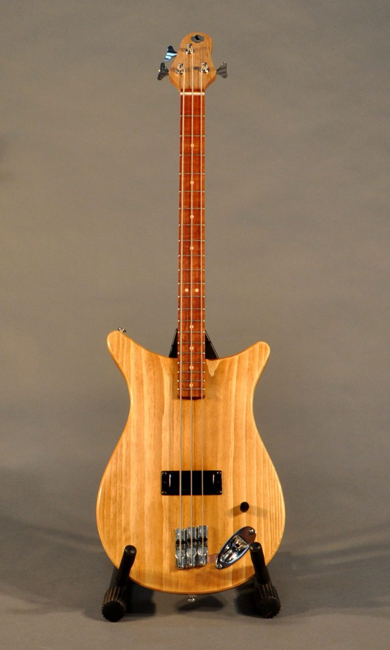 Little Crow BO3 bass custom guitar
