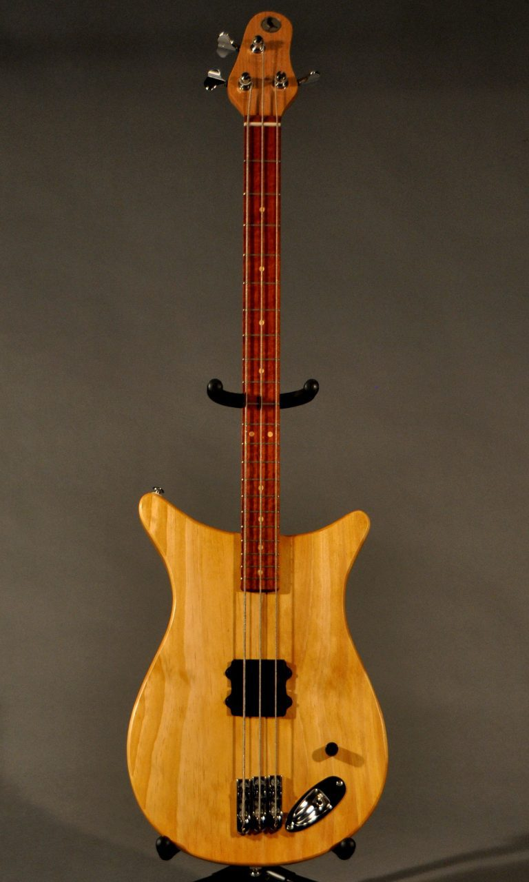 Little Crow BO3 Bass guitar