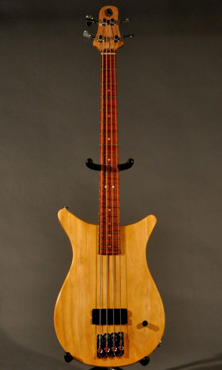 Little Crow BO4 bass guitar