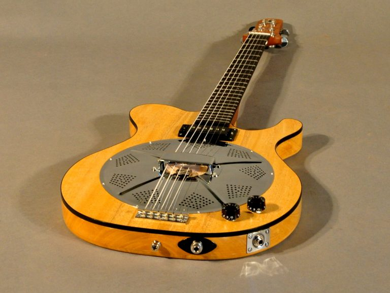 Justin Johnson signatur resonator